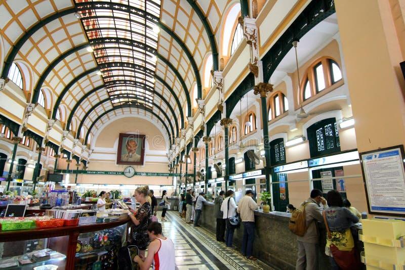 La oficina de correos central de Saigon, Vietnam foto de archivo libre de regalías