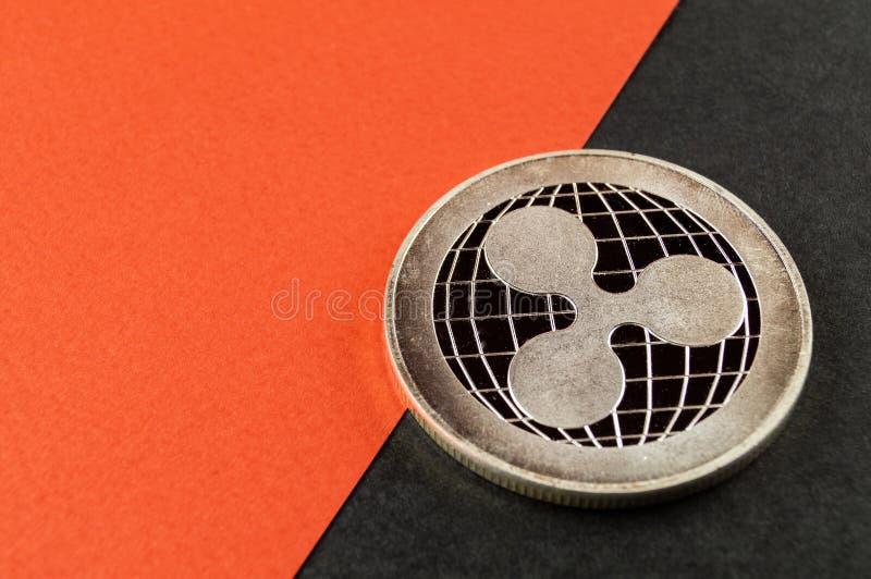 La ondulaci?n es una manera moderna de intercambio y esta moneda crypto es los medios del pago convenientes en el financiero imagen de archivo