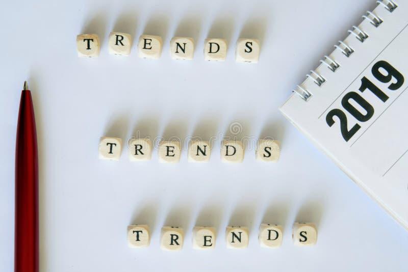 La opción de las tendencias de la moda para 2019 Tendencias - 2019 imágenes de archivo libres de regalías