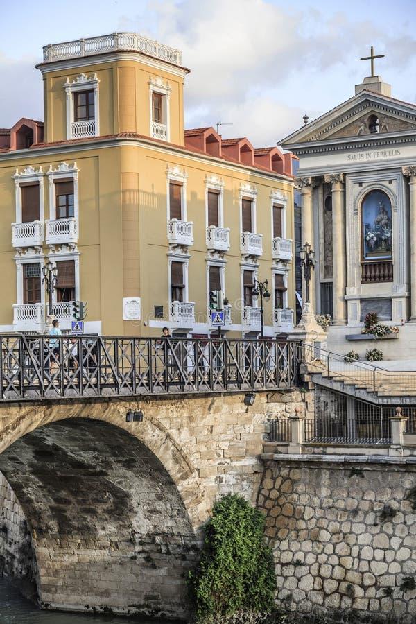 La opinión de la ciudad, puente de piedra arqueado, Puente de los Peligros y ancien foto de archivo libre de regalías