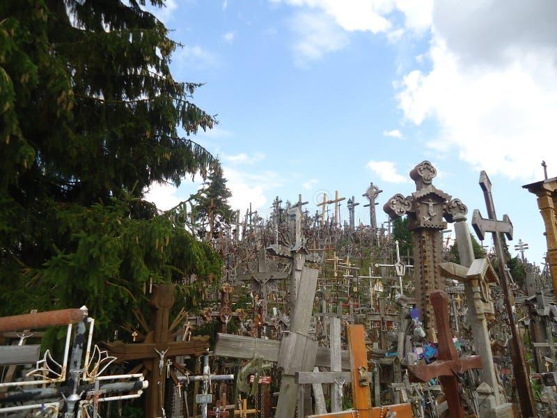 La opinión de lado izquierdo de la colina de Croses cerca de Siauliai en Lituania imagen de archivo libre de regalías