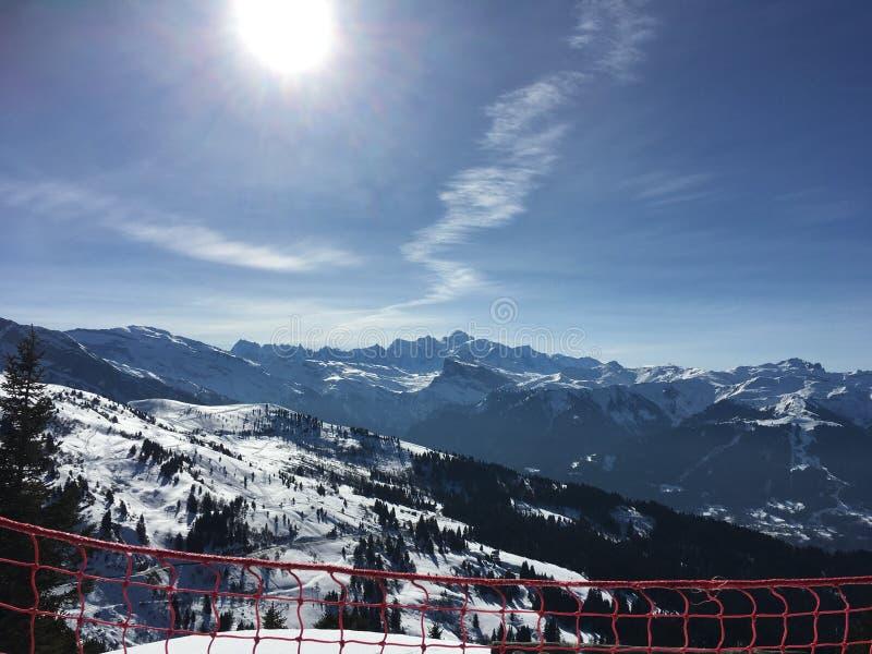 La opinión de Mont Blanc de Les consigue imágenes de archivo libres de regalías