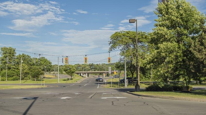 La opinión de UTIet de AMorning tiró de la intersección de la calle en Utica, Nueva York imagen de archivo libre de regalías