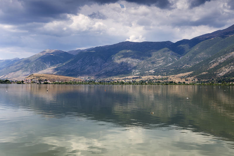 La opinión del lago imagen de archivo