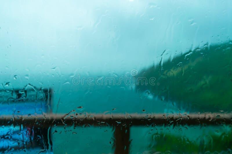 La opinión del mar que llueve fotografía de archivo