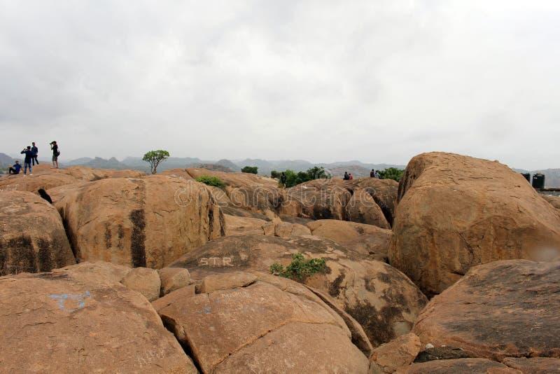 La opinión del paisaje o el paisaje de Hampi, visto del soporte de Anjana fotos de archivo libres de regalías