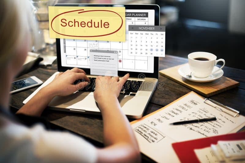 La organización del planificador del calendario del horario recuerda concepto fotos de archivo libres de regalías