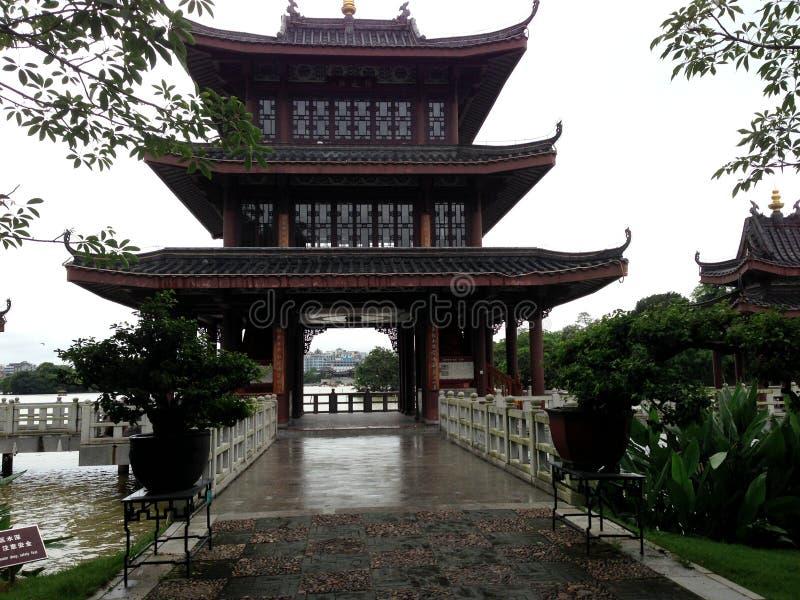 La pagoda antigua del lago del oeste Huizhou imágenes de archivo libres de regalías