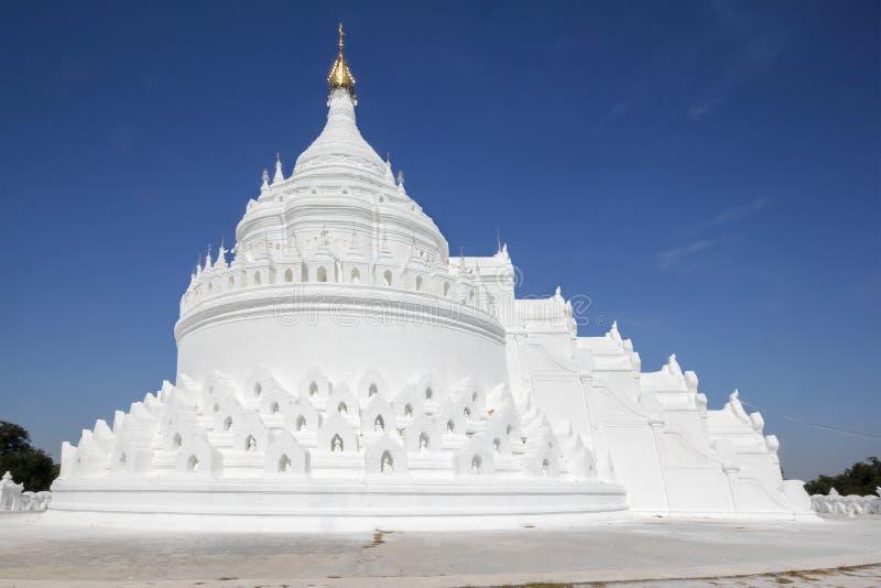 La pagoda blanca en Mingun, Myanmar foto de archivo