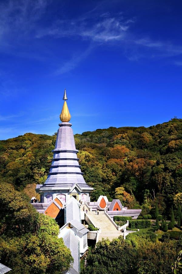 La pagoda de oro imagen de archivo libre de regalías