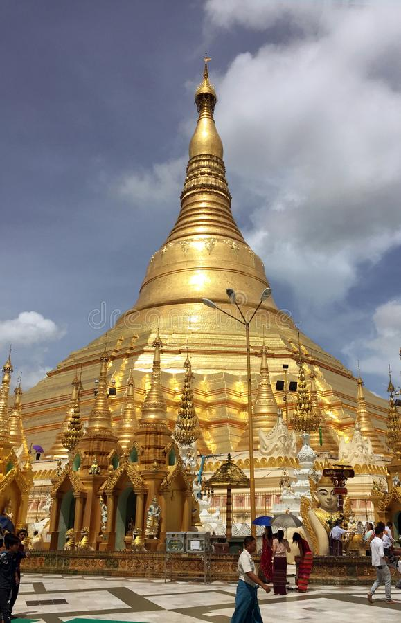 La pagoda de Shwedagon est la pagoda d'or photos libres de droits