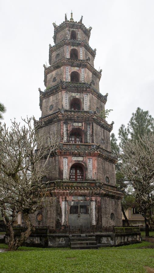 La pagoda de Thien MU en Hue, Vietnam image stock
