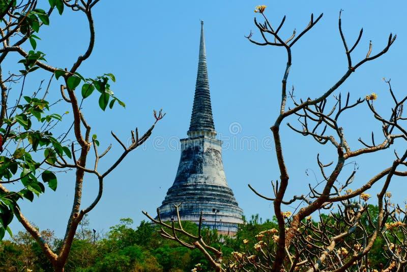La pagoda del templo en la alta cumbre fotografía de archivo libre de regalías