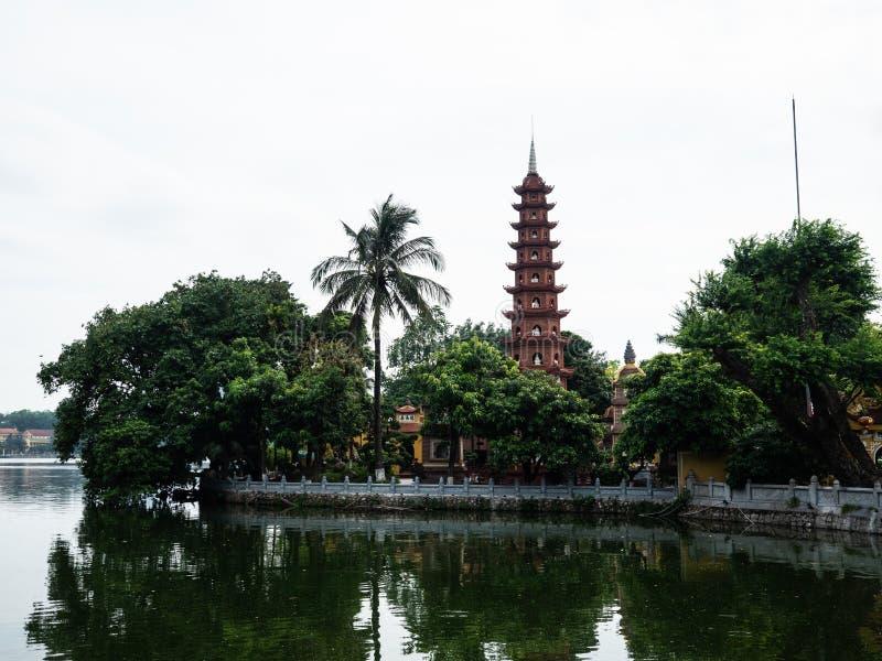 La pagoda di hanoi tran quoc fotografie stock