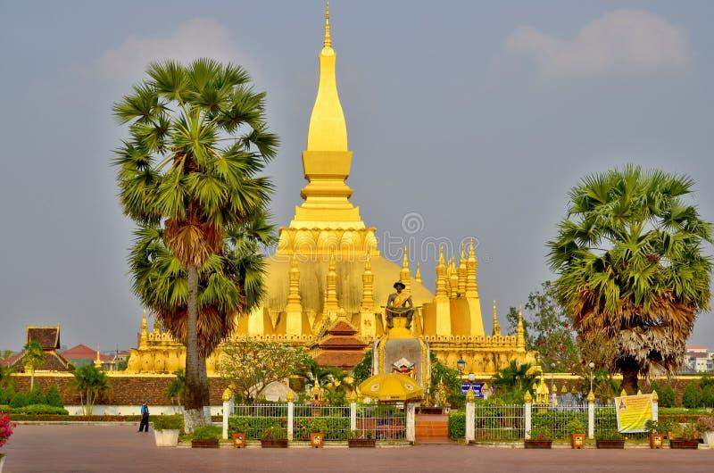 La pagoda dorata di buddismo fotografia stock libera da diritti