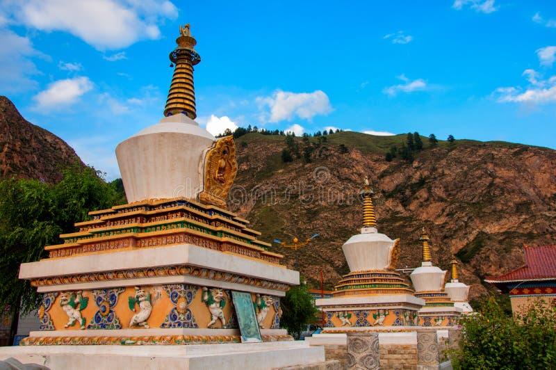 Download La Pagoda Sous Le Ciel Bleu Image stock - Image du bleu, bouddha: 76083799