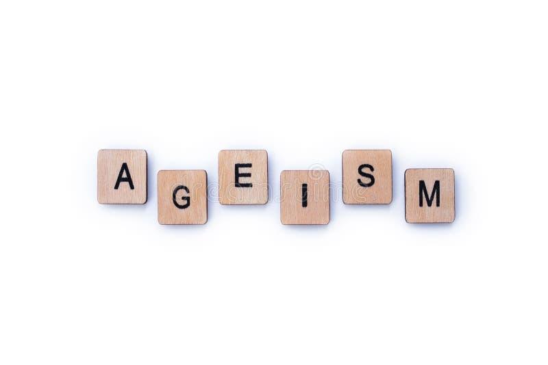 La palabra AGEISM imágenes de archivo libres de regalías