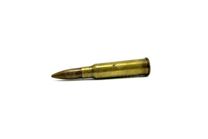 La pallottola dei colpi A del primo piano è un'arma di guerra su un fondo bianco immagini stock
