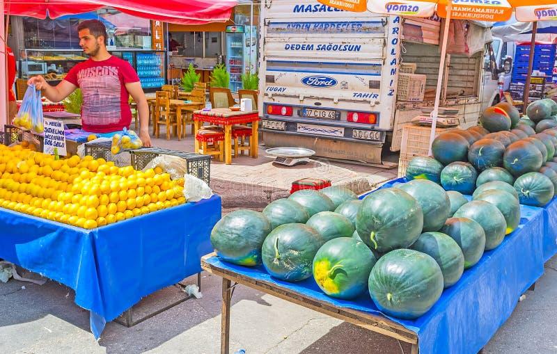Download La Parada De La Fruta En El Mercado De Antalya Fotografía editorial - Imagen de recurso, fresco: 100530927