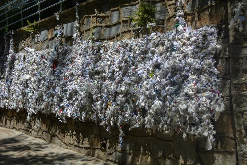 La pared de deseos en la casa de la Virgen María, Turquía imagen de archivo