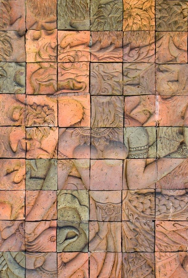 La pared de ladrillo adorna en templo