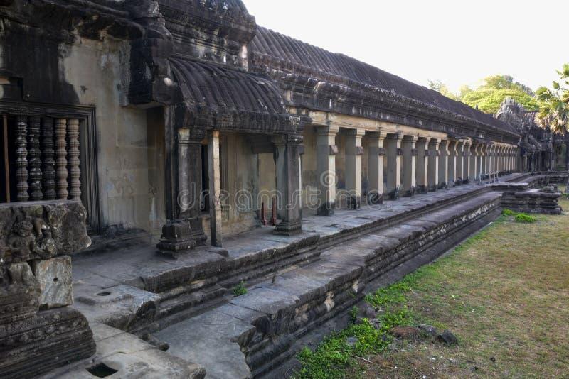La pared del primer nivel de Angkor Wat camboya fotografía de archivo
