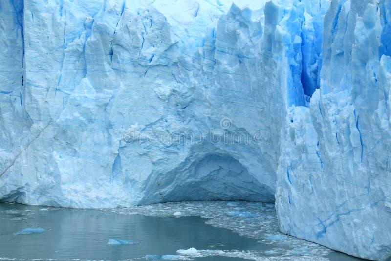 La pared delantera masiva de los azules claros de Perito Moreno Glacier en el lago Argentino, EL Calafate, Patagonia, la Argentin imagenes de archivo
