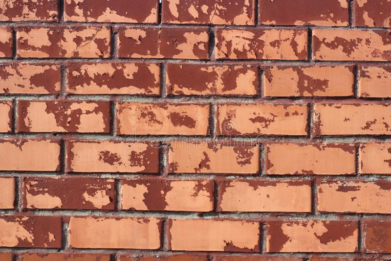 La parete è mattone vecchio, dipinto con pittura, posto per le iscrizioni fotografia stock libera da diritti