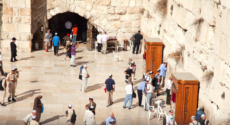 La parete occidentale o lamentantesi a Gerusalemme, Israele immagini stock libere da diritti