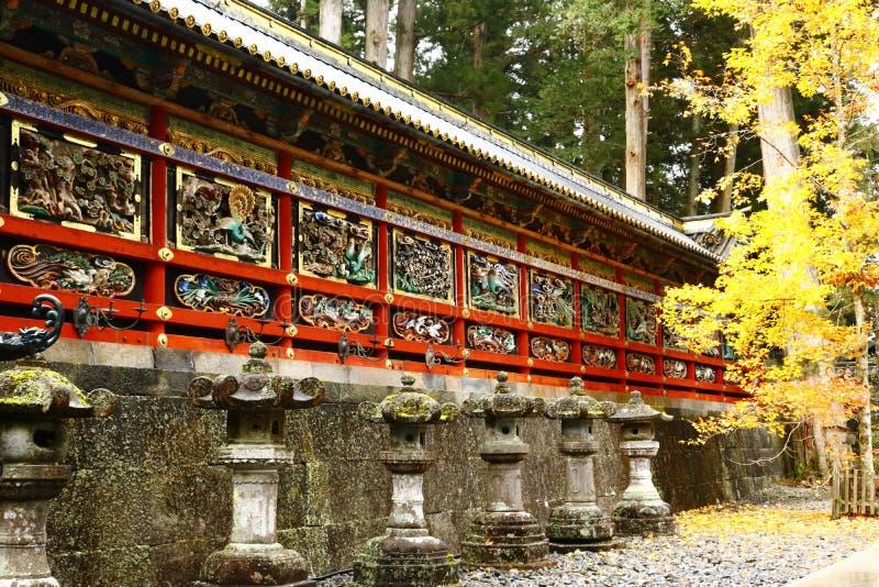 La parete risplendente dello schermo in Tosho-Gu fotografie stock libere da diritti