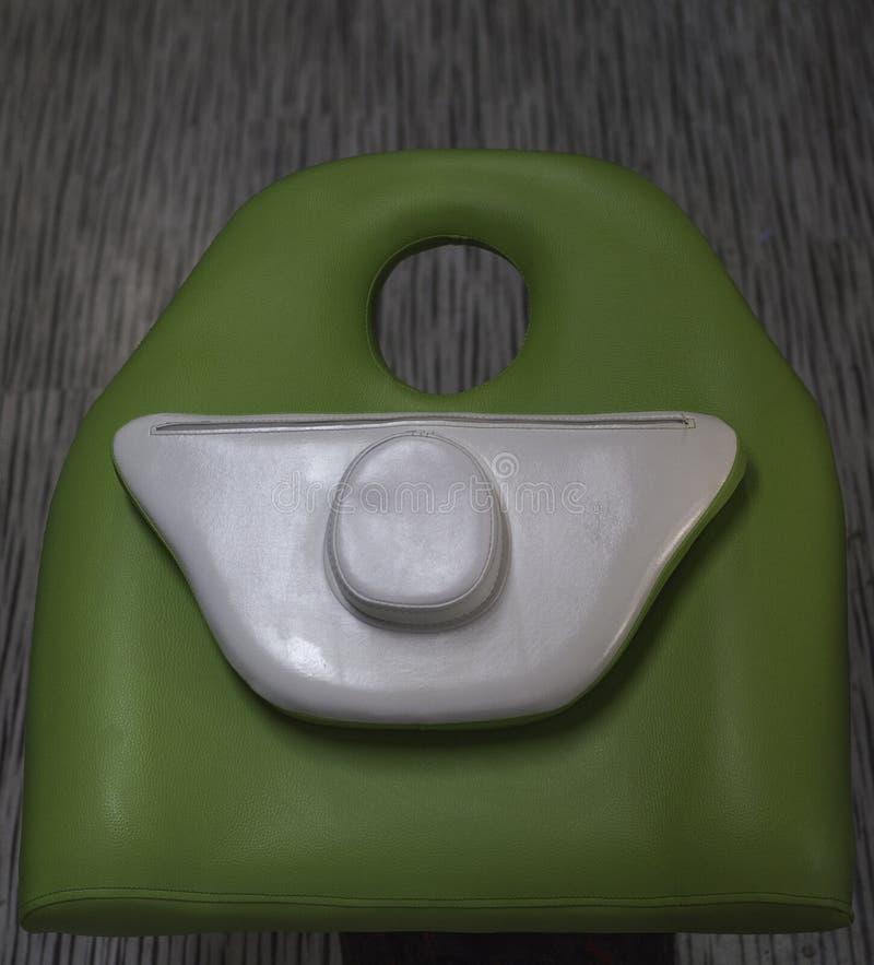 La parte anteriore della tavola di massaggio immagine stock