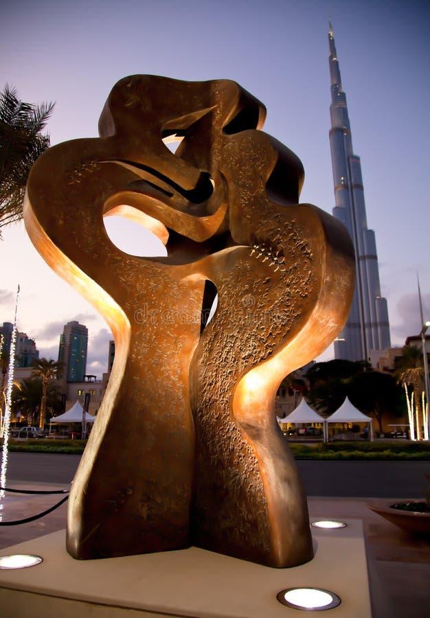 La parte anteriore di Kissin della città Khalifa immagini stock
