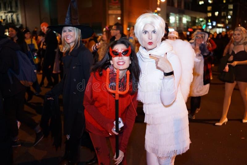 La parte 2015 del desfile de Halloween del pueblo 4 2 fotografía de archivo