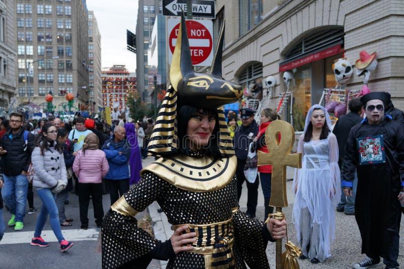 La parte 2 2015 di parata di Halloween del villaggio 19 immagine stock