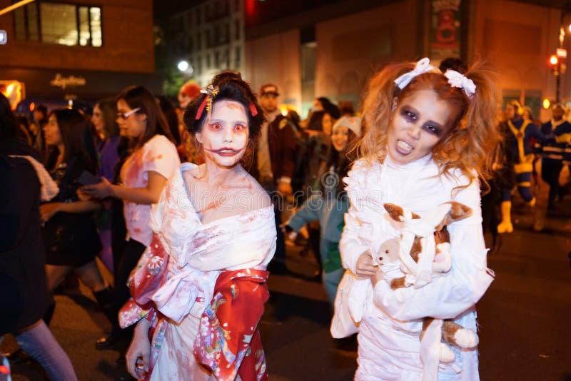 La parte 2015 di parata di Halloween del villaggio 5 6 fotografia stock