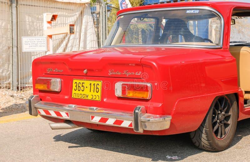 La partie arrière d'alpha Romeo Giulia Super 1300 a montré au musée israélien de l'Armée de l'Air photographie stock