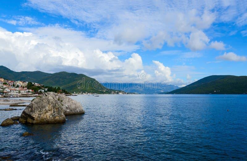 La partie côtière de la station de vacances de Herceg Novi, Monténégro image stock
