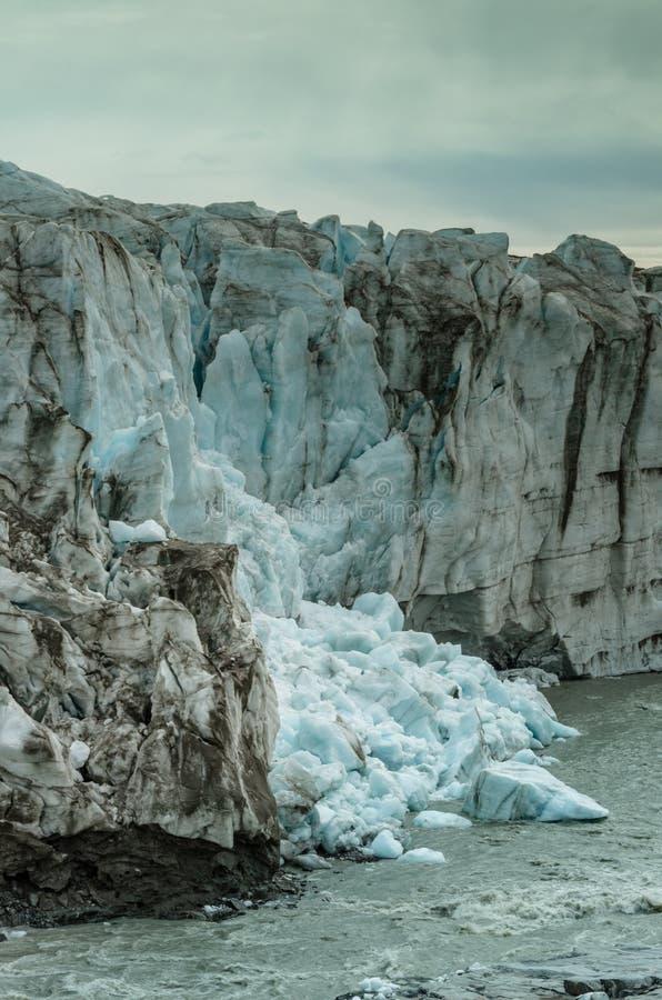 La partie de l'avant de glacier de Russell s'est effondrée dans le courant, Groenland photographie stock