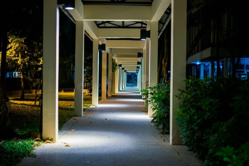 La passeggiata della luce del fuoco fotografia stock