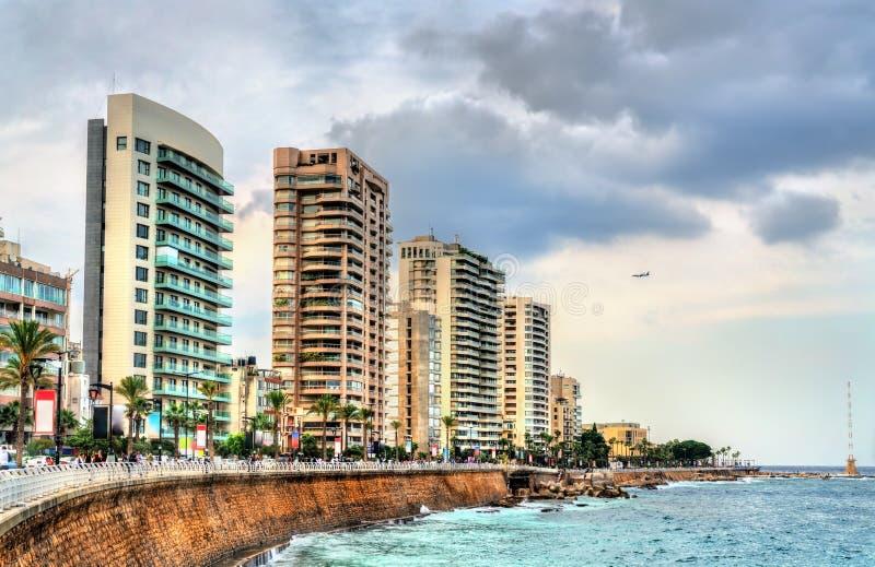 La passeggiata della spiaggia di Corniche a Beirut, Libano immagine stock libera da diritti