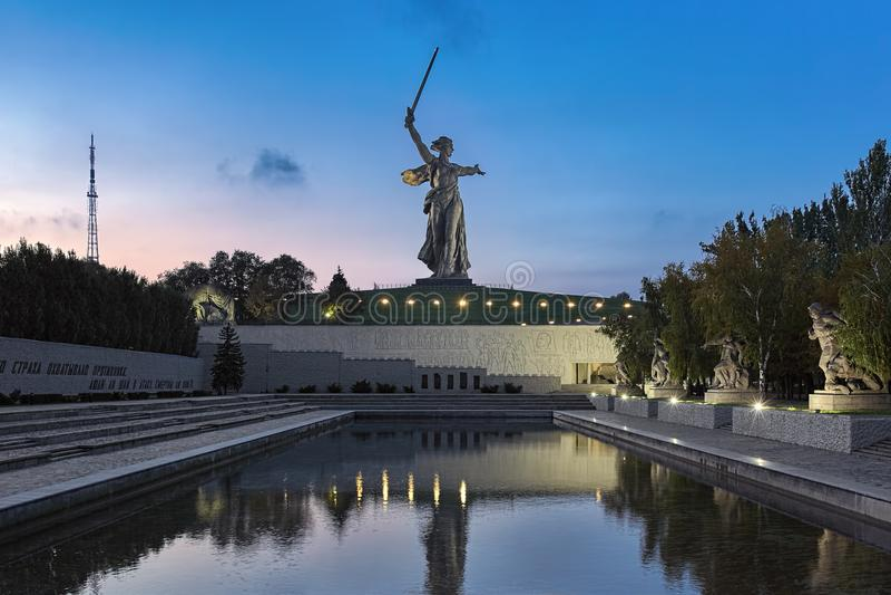 La patria chiama la statua a Volgograd, Russia fotografia stock libera da diritti