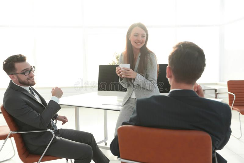 La pause-café d'équipe d'affaires, détendent le concept images libres de droits