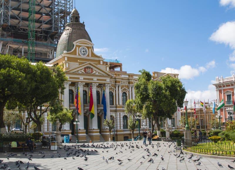 LA PAZ, BOLÍVIA, EM DEZEMBRO DE 2018: Plaza Murillo em La Paz, centro da cidade de Bolívia imagens de stock royalty free