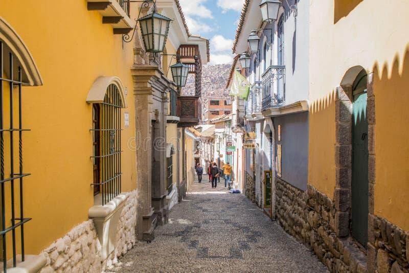 LA PAZ BOLÍVIA, EM DEZEMBRO DE 2018: Rua em La Paz, centro da cidade de Jae'n de Bolívia imagem de stock royalty free