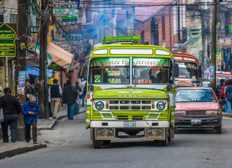 La PAZ, BOLIVIË - Januari, 10: Straat van La Paz op 10 Januari, royalty-vrije stock foto