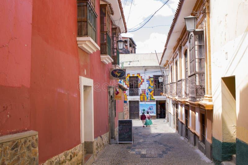 LA PAZ, BOLIVIA DICIEMBRE DE 2018: Calle de Jaén en centro de ciudad de La Paz, Bolivia imagenes de archivo