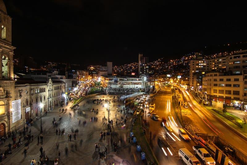La Paz Bolivia par nuit images stock