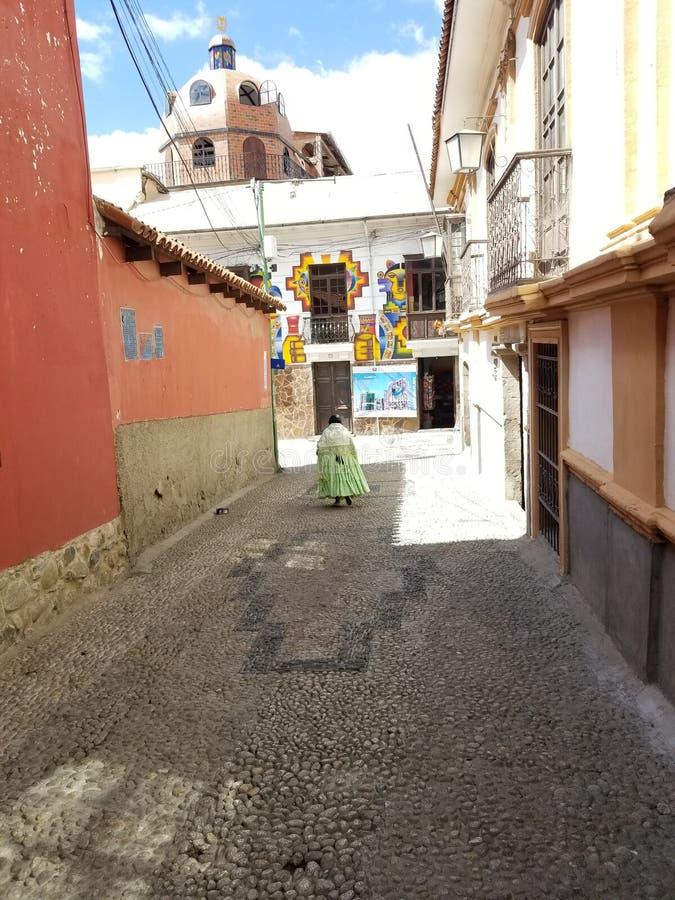 LA PAZ, BOLIVIEN, IM DEZEMBER 2018: Straßen La Paz, Bolivien im Stadtzentrum lizenzfreie stockfotos
