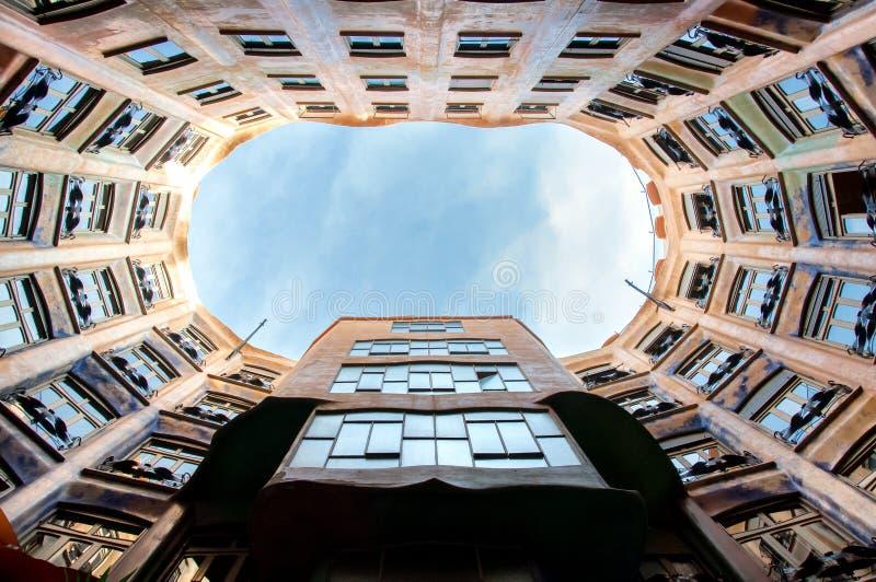 La Pedrera das casas em Barcelona foto de stock