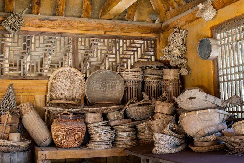 La película tejida bambú histórico de las mercancías de la cesta fijó en Corea fotografía de archivo libre de regalías